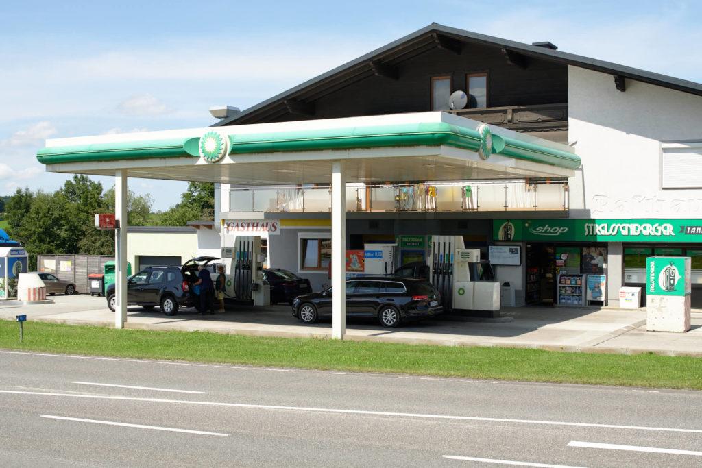 Tankstelle Streissenberger Außenansicht